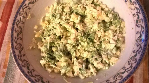Sałatka z brokułem i selerem