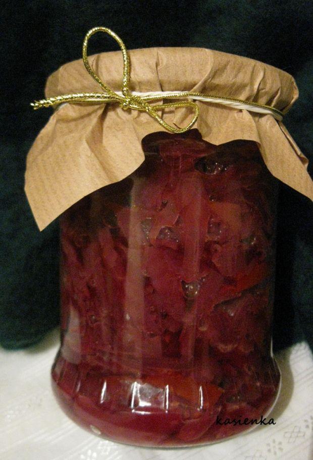 Sałatka z czerwonej kapusty z nektarynką