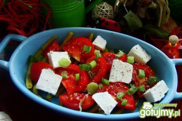 Sałatka z fasoli i pomidora