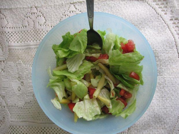 Sałatka z fasolką szparagową i ziołami