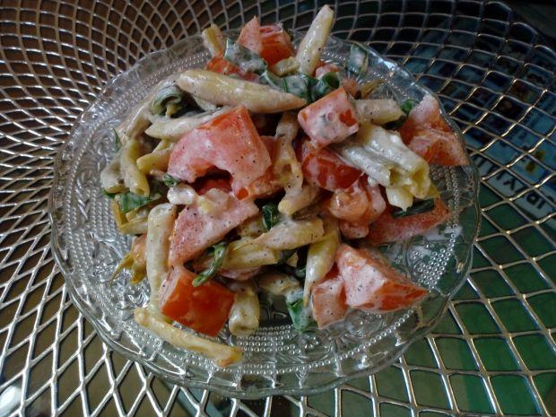 Sałatka z fasolki szparagowej i pomidora