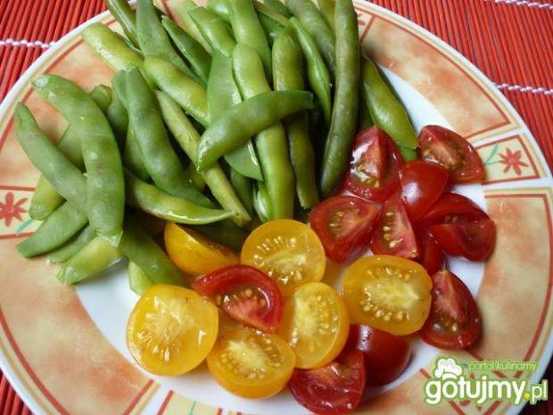 Sałatka z fasolki szparagowej z frytkami