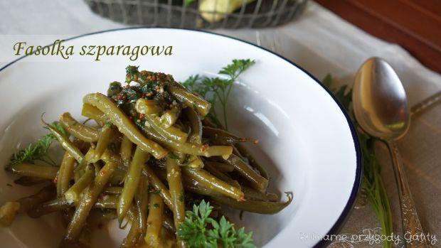 Sałatka z fasolki szparagowej z miodowym sosem