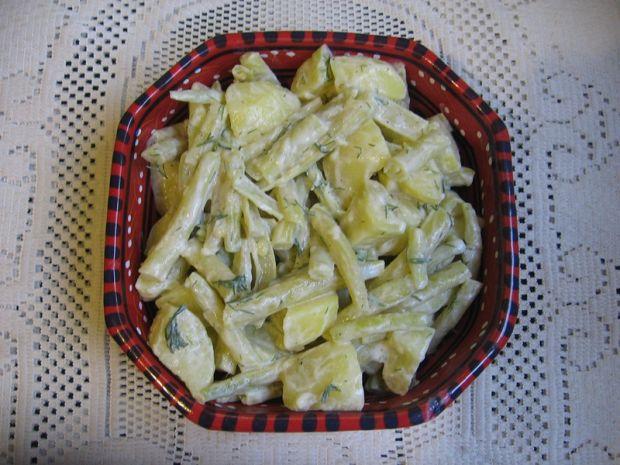 Sałatka z fasolki szparagowej z ziemniakami