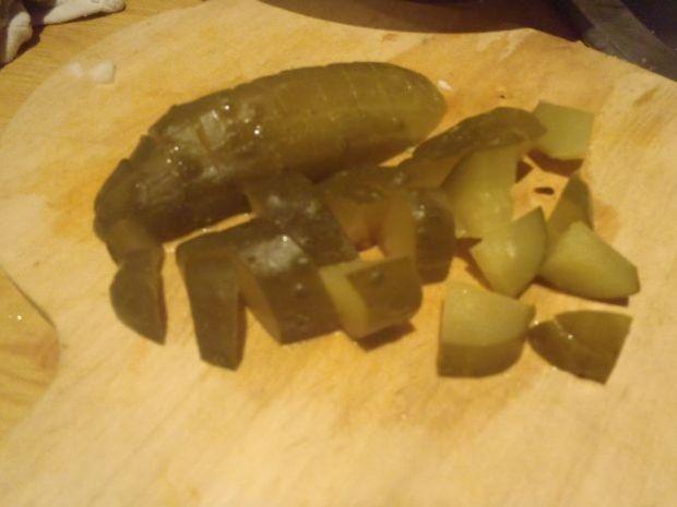 Sałatka z gotowanymi pieczarkami i pekinką