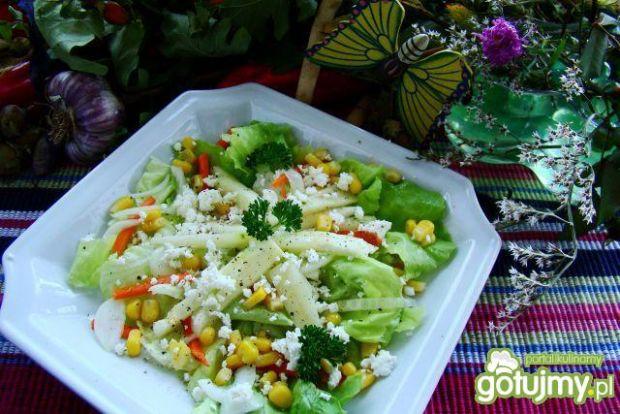 Sałatka z gruszka i kozim serem