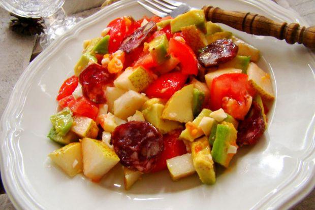Sałatka z gruszki i awokado