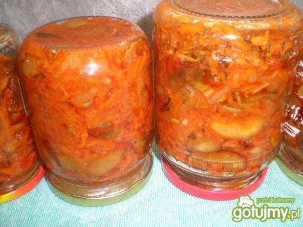 Sałatka z grzybów i warzyw na zimę