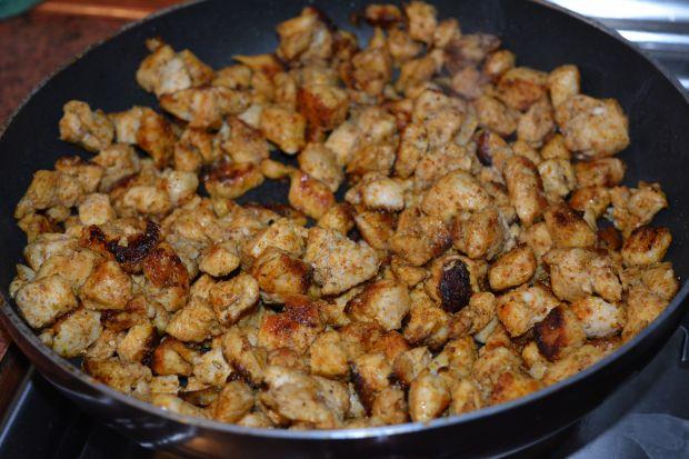 Przepis Salatka Z Jajek Przepiorczych Z Gyrosem Przepis Gotujmy Pl