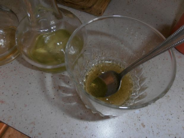 Sałatka z jajkiem i mozarellą