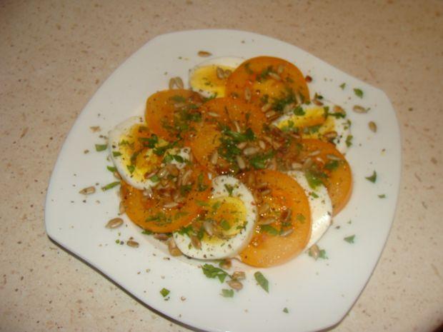 Sałatka z jajkiem i pomidorem