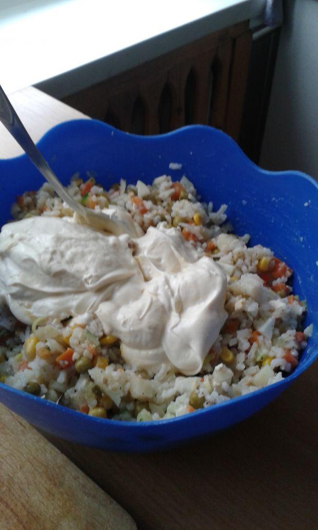 Sałatka z jarzyn i ryżu