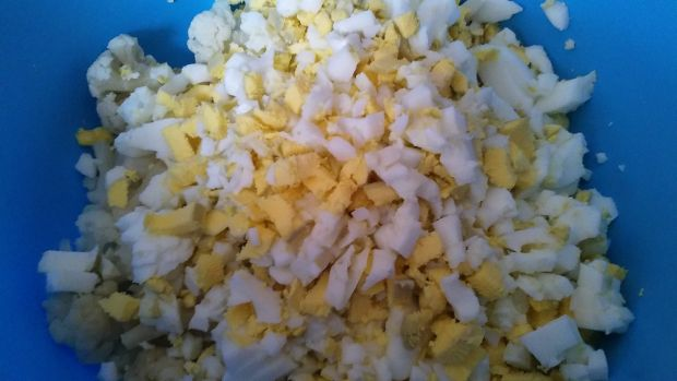 Sałatka z kalafiora i jajek