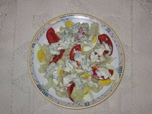 Sałatka z kalafiorowa z jajkiem