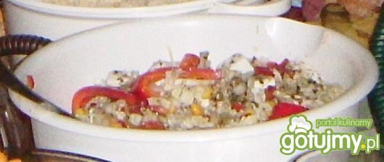 Sałatka z kapustą pekińską i papryką
