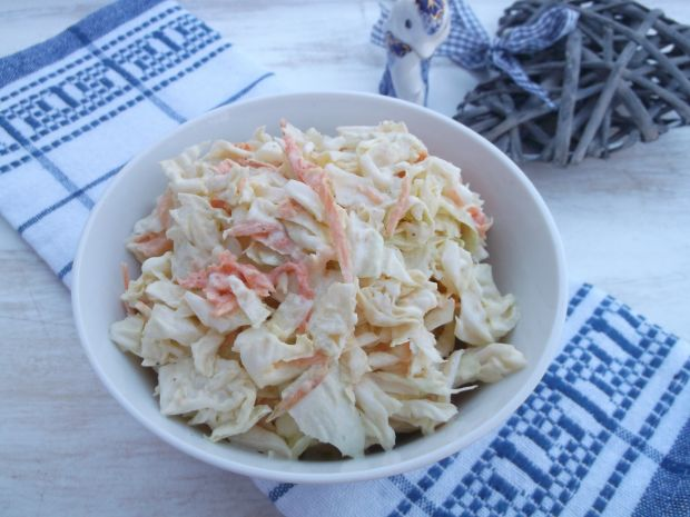 Sałatka z kapusty pekińskiej, marchewki i jajka