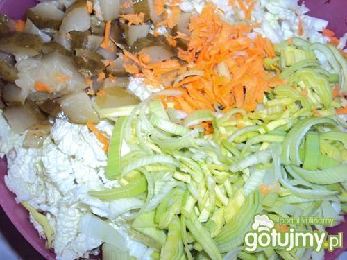 Sałatka z kapusty pekińskiej z majonezem