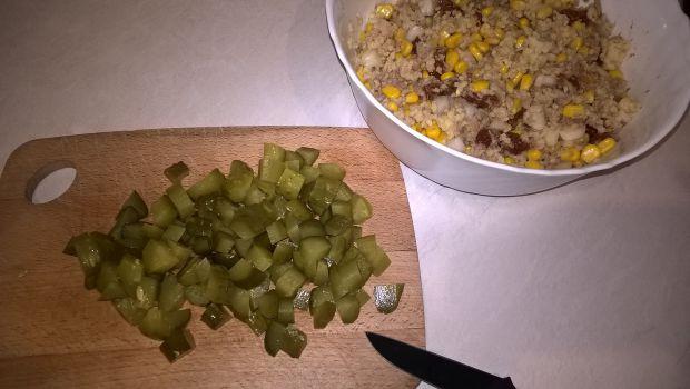 Sałatka z kaszą jaglaną i tuńczykiem