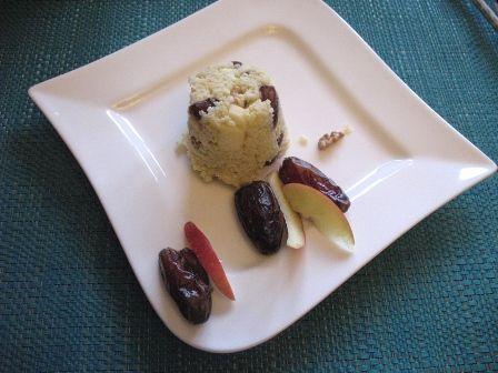 Sałatka z kaszy jaglanej i daktyli