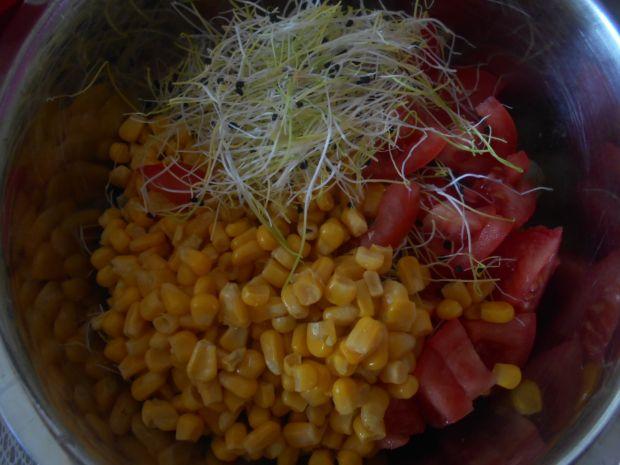 Sałatka z kiełkami cebuli