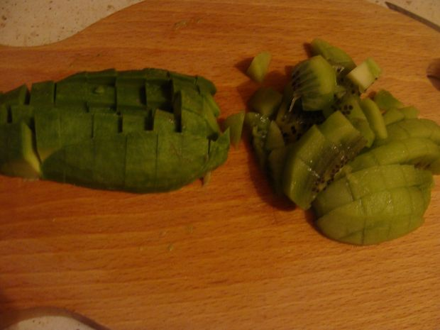 Sałatka z kiwi i awokado