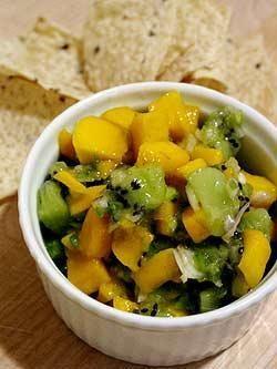 Sałatka z kiwi i mango