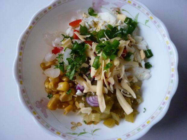 Sałatka z kukurydzą i papryką