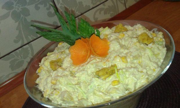 Sałatka z kukurydzą ,porem i kurczakiem