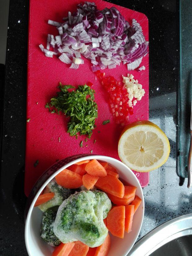 Sałatka z kurczaka cytrynowego i kuskusu