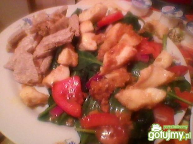 Sałatka z kurczaka ze szpinakiem