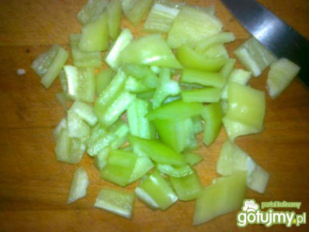 Salatka z kurczakiem i brokułami