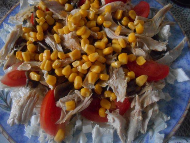 Sałatka z kurczakiem i pieczarkami