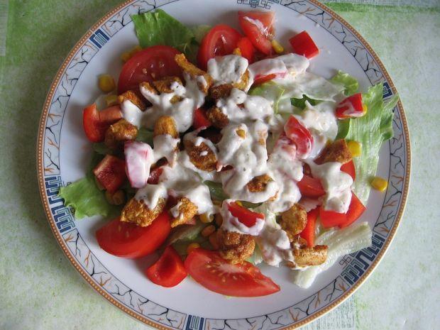 Sałatka z kurczakiem i sałatą lodową