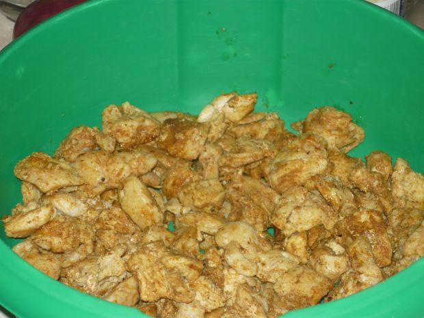 Sałatka z kurczakiem i serem