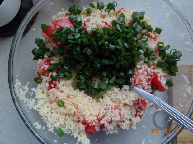 Sałatka z kuskus i pomidorów