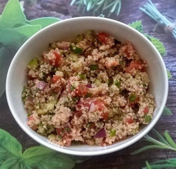 Sałatka z kuskusu z warzywami