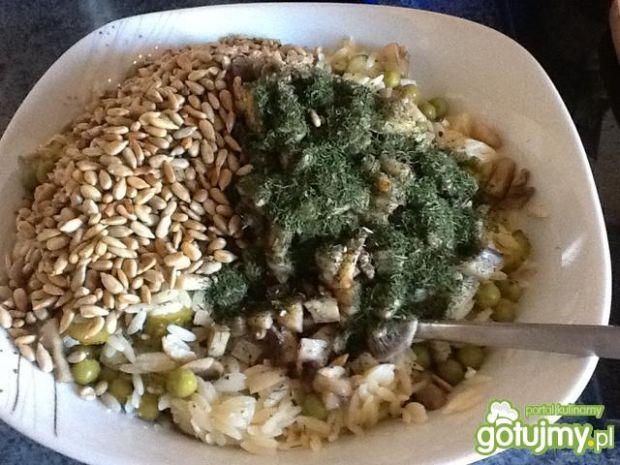 Sałatka z makaronem ryżowym wg ajo