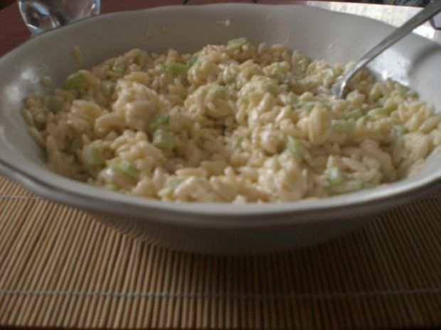Sałatka z makoronem ryżowym