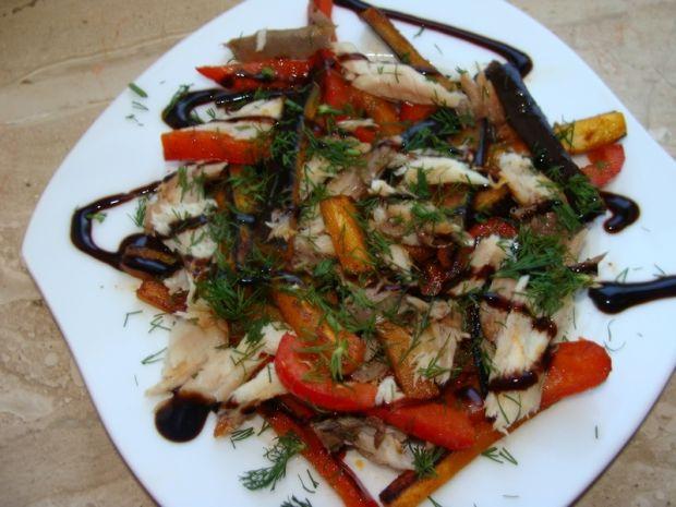 Sałatka z makrelą i bakłażanem