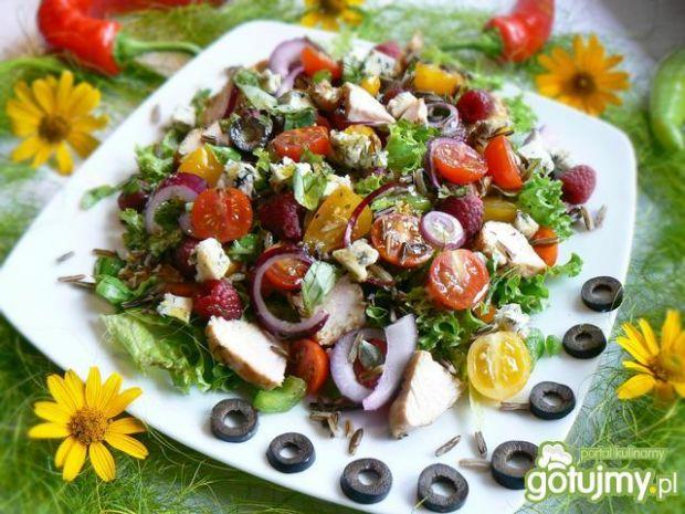 Salatka z  malinami i dzikim ryżem