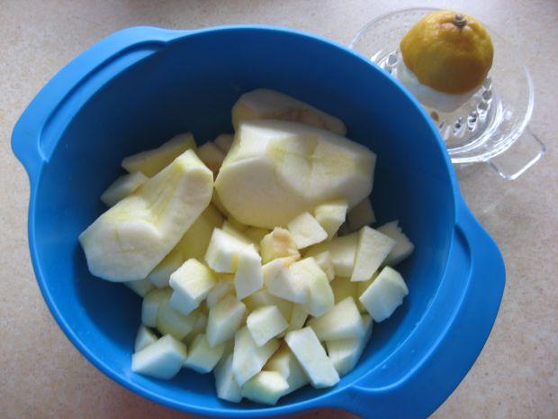 Sałatka z marchewki i marynowanego selera