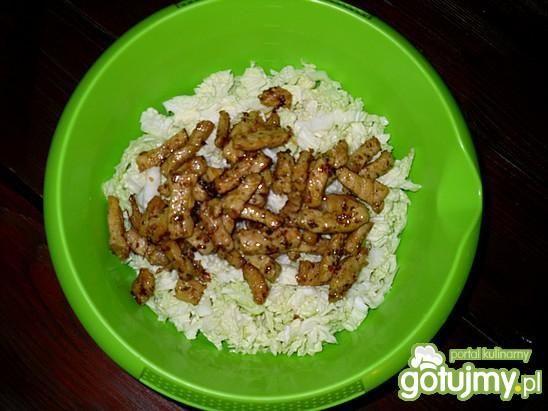 Sałatka z mięsem wieprzowym