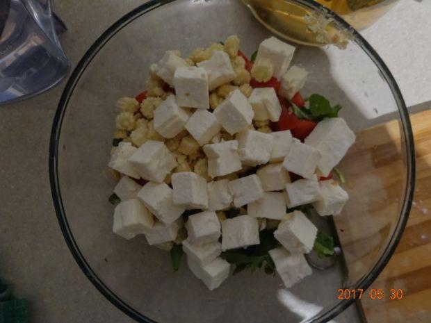 Sałatka z mini kukurydzą