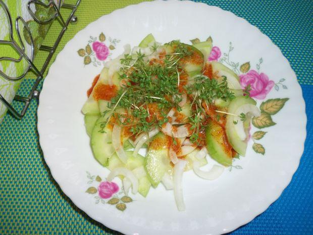 Sałatka z ogórka i rzeżuchy