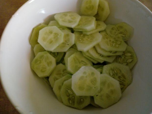Sałatka z ogórków gruntowych z majonezem