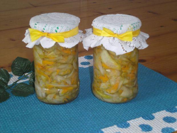 Sałatka z ogórków, marchwi i cebuli