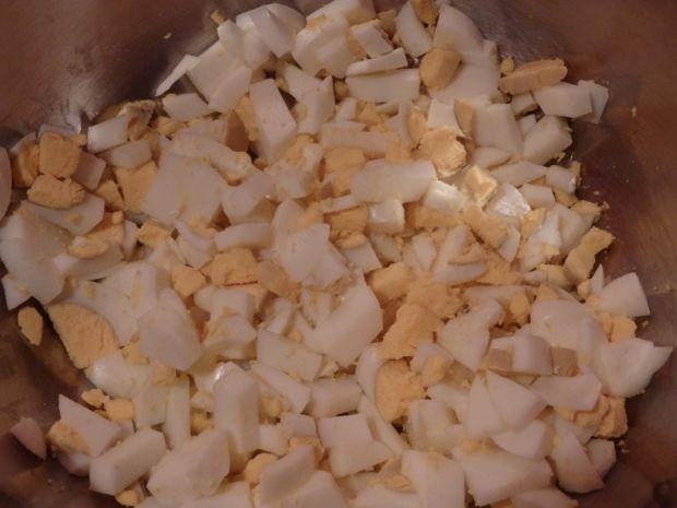 Sałatka z paluszkami krabowymi i makaronem