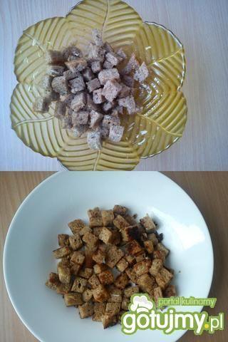Sałatka z pekinki z grzankami i s.czosn.