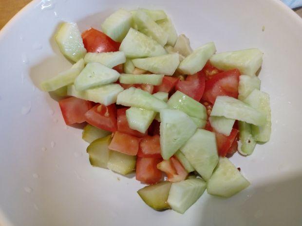 Sałatka z pomidora i ogórków