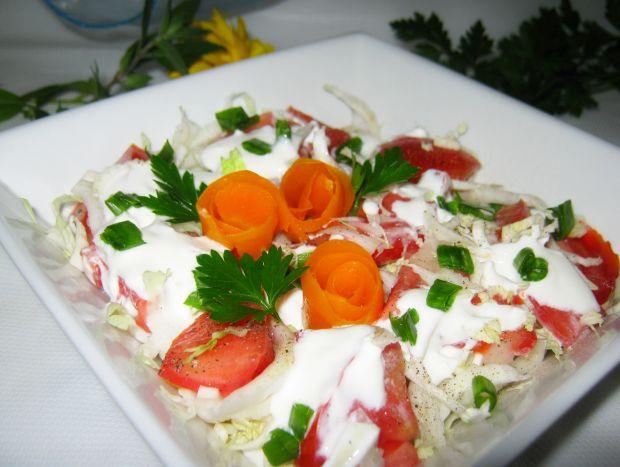 Sałatka z pomidorem do obiadu
